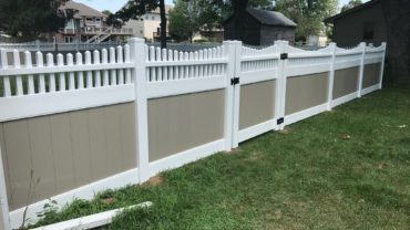 Montauk Scallop White with Adobe Center and Gate