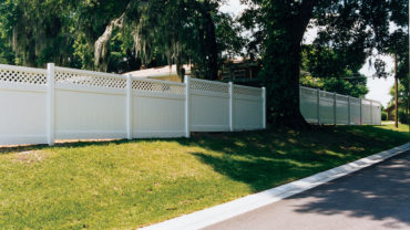 Hollingsworth 6' tall Vinyl Fence Stepped