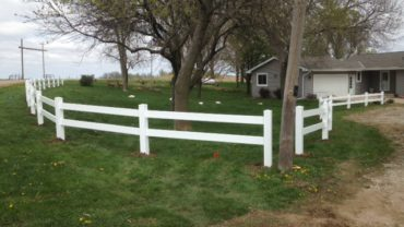 2 Rail White Vinyl Fence