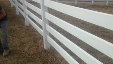 4 Rail White Vinyl Fence