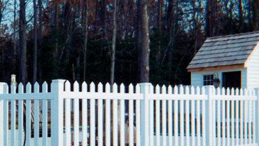 Cape Cod Vinyl Fence