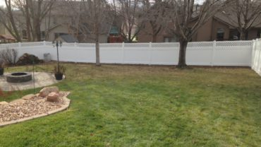 Hollingsworth 6' tall Vinyl Fence