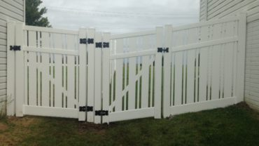 Kensington 6' Vinyl Fence