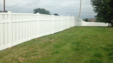 Kensington 6' tall Vinyl Fence