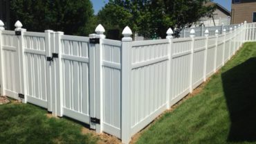 Kensington Vinyl Fence with Gothic Caps