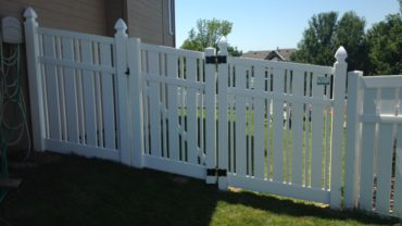 Kesington 6' Vinyl Fence Racked Gate Gothic Caps