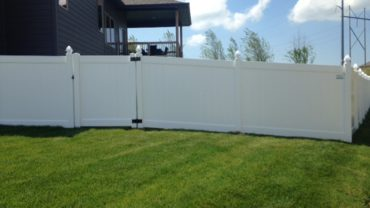 Lakeland 6' Vinyl Fence with Gothic Caps and Gate