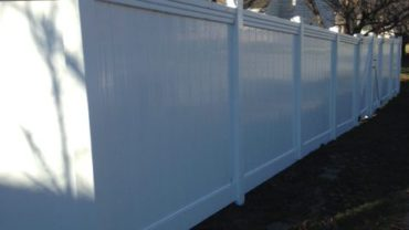 Lakeland 6' tall Privacy Vinyl with Maxwell Rail