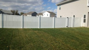 Lakeview 6' tall Vinyl Fence