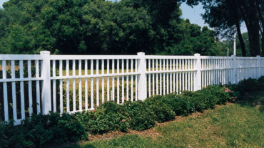 Lincolnshire Vinyl Fence