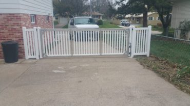 Malibu 4' with 14' Aluminum Gate