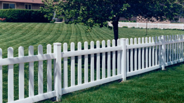 Missouri White Vinyl Fence