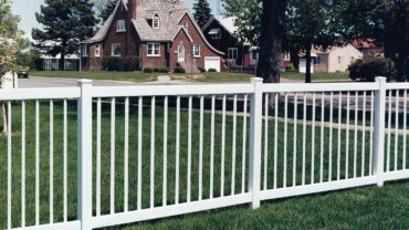 Pacific Diamond Vinyl Fence