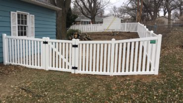 Rochester 4' tall Vinyl Fence