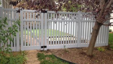 Rochester 6' Gray Vinyl with Gate
