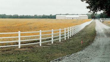 Round Rail White Vinyl Fence