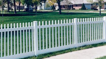 Sacramento White Vinyl Fence