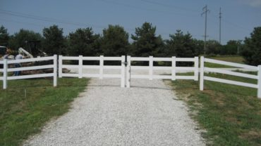 3 Rail Double Gate White Vinyl