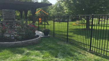 0240 6' tall Aluminum Fence