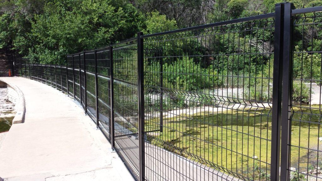 Welded Wire Acreage Fences