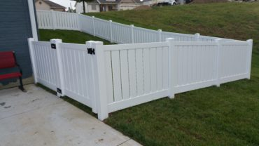 Lakeview 4' tall White Vinyl Fence