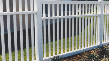 White Lincolnshire Vinyl Fence