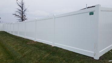 White Lakeland VInyl Fence